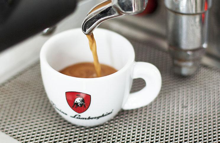 Mletá i zrnková káva Lamborghini